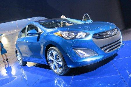 450x299x2014-Hyundai-Elantra-GT-01-450x299.jpg.pagespeed.ic.E2h3ZOUGL8